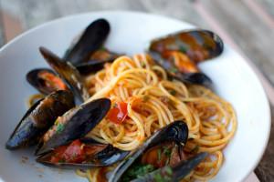Sicilian Recipe Pasta alle Cozze - Molto Buono!!